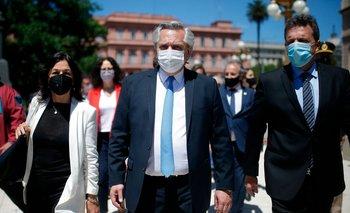 El presidente de Argentina, Alberto Fernández, llega al décimo aniversario por el fallecimiento del expresidente Néstor Kirchner