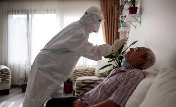 El % de los que fueron hisopados dieron positivo al test de coronavirus.