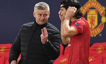 Solskjaer y Cavani, técnico y delantero de Manchester United