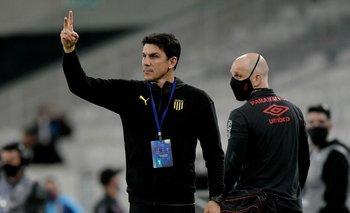 Mauricio Larriera sigue apostando por su fútbol en Peñarol