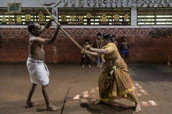 Meenakshi Amma practica la discplina desde que tenía siete años