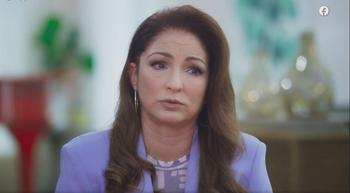 La cantante habló sobre el abuso del que fue víctima en su serie de Facebook: Watch Red Table Talk: The Estefans