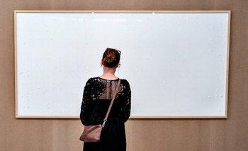 """El artista danés Jens Haaning entregó dos cuadros blancos bajo el título Take the Money and Run (""""Toma el dinero y corre"""")"""