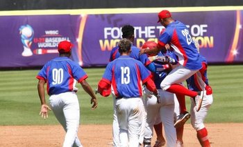 La selección cubana quedó ahora con 16 de los 24 beisbolistas que llevó a México