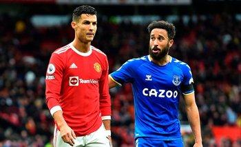 Andros Townsend fue a saludar a Cristiano Ronaldo al final, pero al portugués no le gustó el festejo que emuló al suyo en el gol del empate de Everton