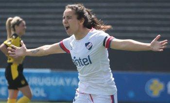 La goleadora Esperanza Pizarro