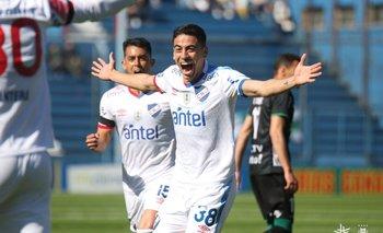 Camilo Cándido celebra su gol para el 1-0 ante Plaza Colonia