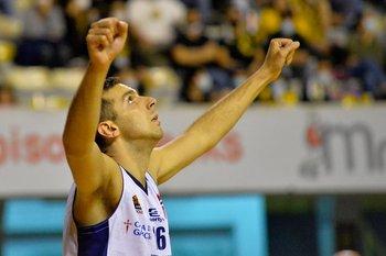 Alfonso Arrillaga, 4 puntos y 4 rebotes