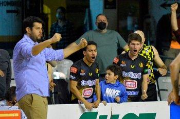 Matías Nieto y el banco de Larre festejan el triunfo