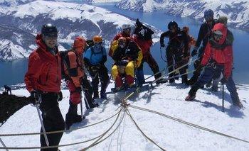 El 2 de octubre de 2011, Gabriel y sus amigos lograron llegar a la cumbre del volcán Antuco, ubicado a unos 600 kilómetros al sur de la ciudad de Santiago.