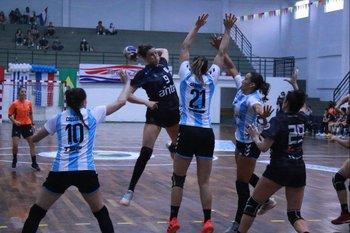 Iara Grosso, goleadora de Uruguay