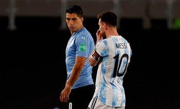Luis Suárez volvió a jugar en Uruguay, anotó un gol pero falló seis en tres partidos