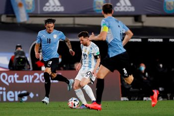 Messi hizo pasar mal otra vez a Uruguay