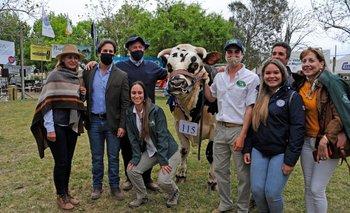El presidente participó en la entrega de premios de la muestra de ganado lechero.
