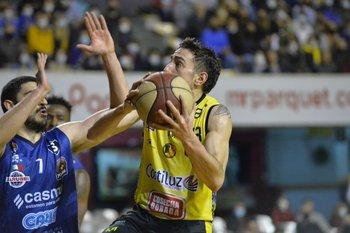 Mauro Zubiaurre, 4 puntos y 4 asistencias