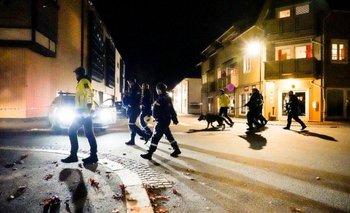El hombre se movió por toda la ciudad, lo que llevó a las autoridades a cercar varias zonas