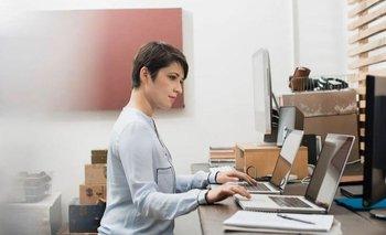 """El """"sobreempleo"""" implica tener dos trabajos simultáneos a tiempo completo"""