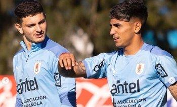 Agustín Álvarez Martínez y Facundo Torres con la selección uruguaya