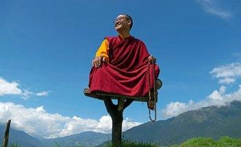 En 2009 Rinpoche se convirtió en el maestro espiritual más joven de Bután.
