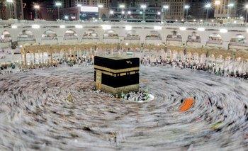 La Gran Mezquita de La Meca abrió este domingo al 100 % de capacidad