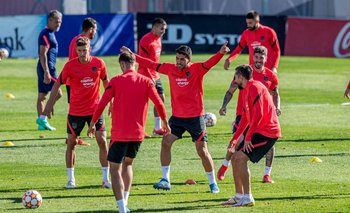 Suárez en el entrenamiento del Atlético de Madrid