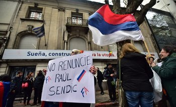 Raúl Sendic se presenta como licenciado pero no lo es