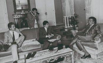 El editor de Internacionales, Daniel Mazzone; el jefe de Fotografía, Armando Sartorotti, y el editor jefe Álvaro Amoretti. Fue sacada en trípode con timer