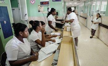 Cuba invierte en salud un 10,5% de su PBI. Lo recomendado para garantizar los estándares mínimos es un 5%.