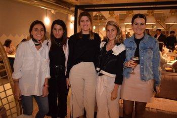 Josefina Barbagelata,Mariana Prado, Mariana Severi, Alejandra Ghio y Victoria Muñoz