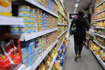 La inflación anualizada registró una fuerte moderación en abril e ingresó al rango meta oficial.