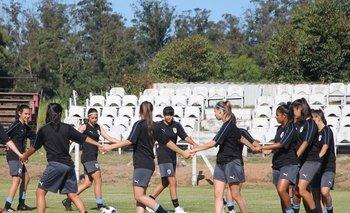 Las jugadoras de la selección sub 17 entrenaron en Punta del Este