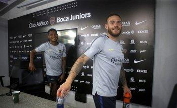 Los jugadores Wilmar Barrios y Nahitan Nández de Boca Juniors