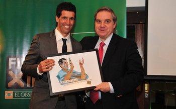 Gustavo Díaz y Ricardo Peirano en la entrega de premios de Fútbolx100
