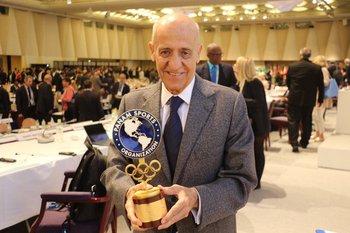 Panam Sports también homenajeó a Maglione en la gala de ACNO en Tokio