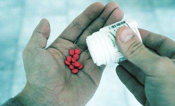 """El reclamo responde a las declaraciones de Castaingdebat, quien cuestionó que los médicos receten medicamentos """"caros"""" o que """"no hay"""" disponibles"""
