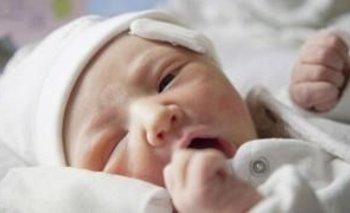 Getty Images Los fórceps pueden provocar lesiones en el recién nacido, pero su implementación en las salas de parto igual permitió salvar vidas de bebés y madres.