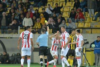 Su último Peñarol-River fue polémico por el gol de Peñarol y uno anulado a River