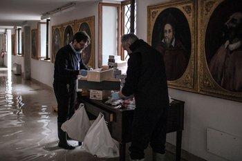 Evaluando los daños en el Palacio Gritti