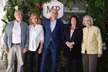 Ricardo Voelker, Socorro Reyes, Jorge Gerez, Mariana Varela y Solveig Bentancourt