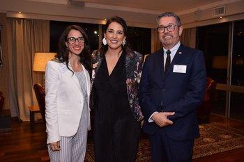 Yesika Padrón, María Paulós y Carlos Zapater