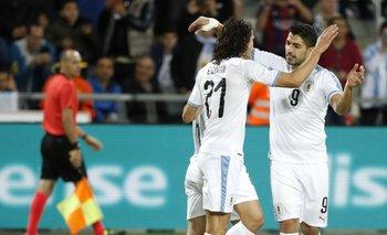 Cavani y Suárez, coterráneos, de 33 años, entre ambos suman 873 goles, 109 con la absoluta de Uruguay