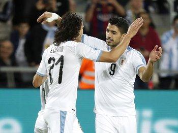Edinson Cavani y Luis Suárez