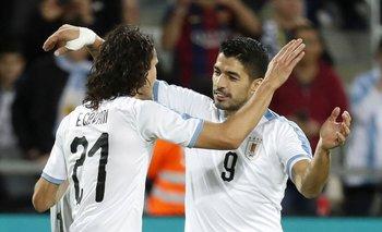 Cavani y Suárez lo vieron por TV