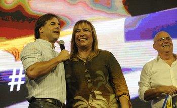 El presidente Luis Lacalle Pou junto a la ministra de Vivienda, Irene Moreira