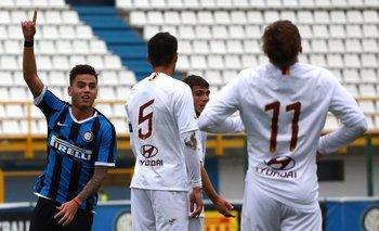 Matías Fonseca festeja un gol en las inferiores de Inter