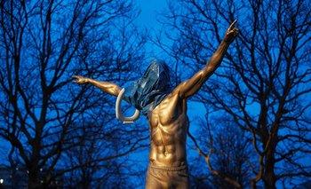 La nueva estatua de Zlatan fue dañada