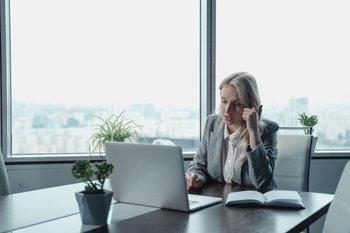 Es fundamental contar con una marca personal consistente dentro y fuera de las organizaciones, incluso si se tiene trabajo