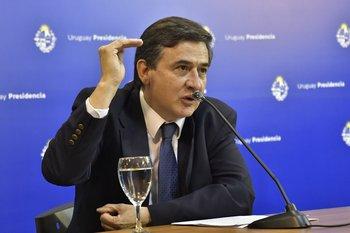 Fernando Paganini en una conferencia de prensa del GACH en Torre Ejecutiva