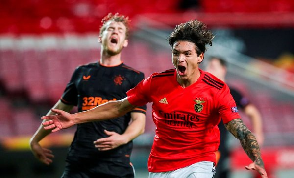 Darwin Núñez clave en Benfica: perdían 3-1, entró a los 60' y empataron 3-3