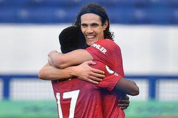 Edinson Cavani espera mejorar de su lesión en Manchester United